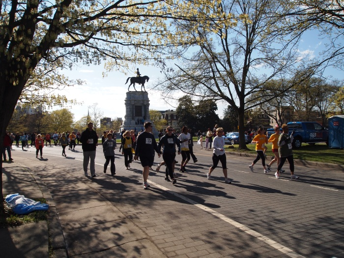 over 41,000 runners in the Monument Avenue 10K