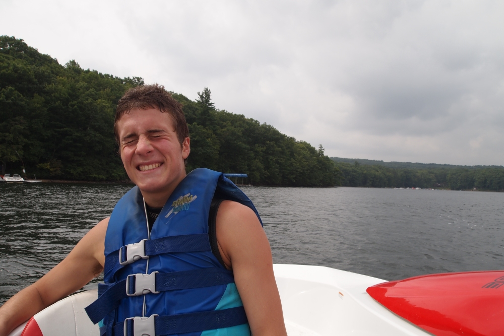 a cloudy & cool day of wakeboarding and tubing (6/6)