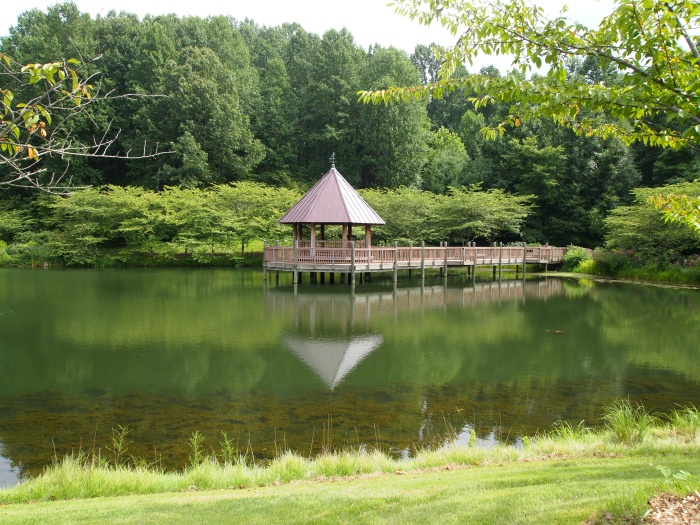 Lake Caroline and gazebo
