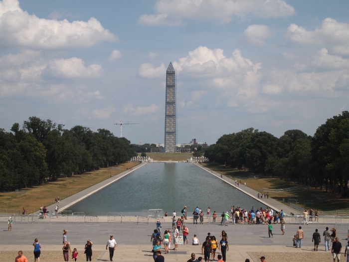 Reflecting pool & Washington Monument