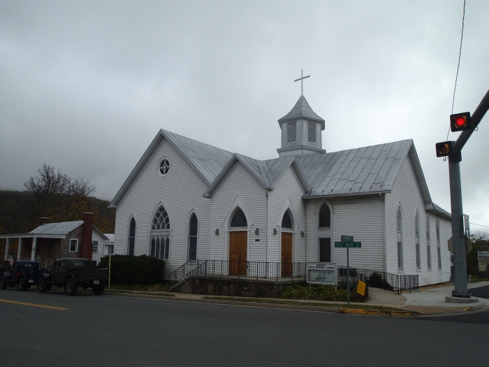 the church at the main intersection in Monterey
