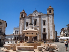Square in Evora