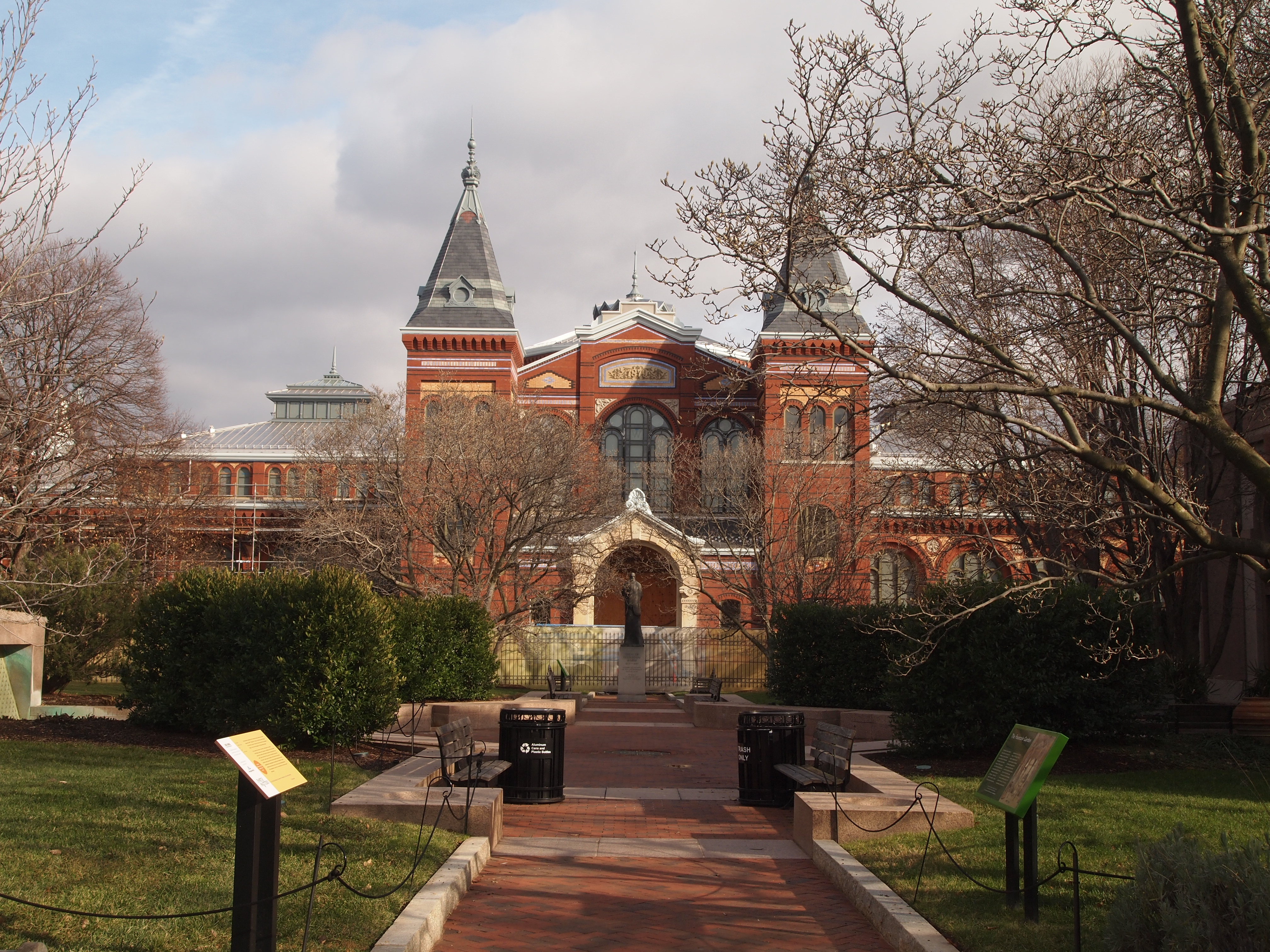 the national mall: the smithsonian castle, the enid a. haupt garden ...