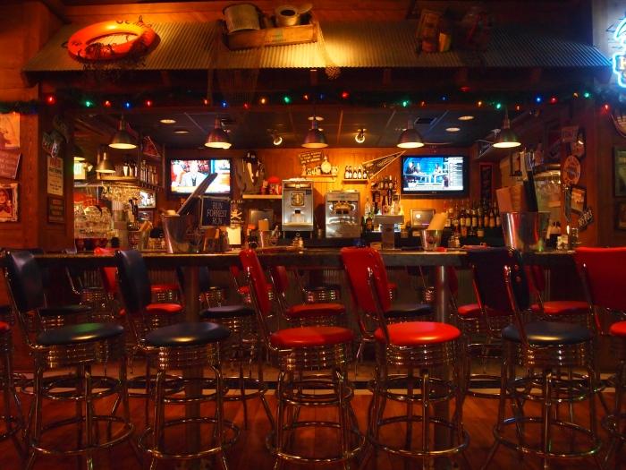 inside the bar at the Bubba Gump Shrimp Co.
