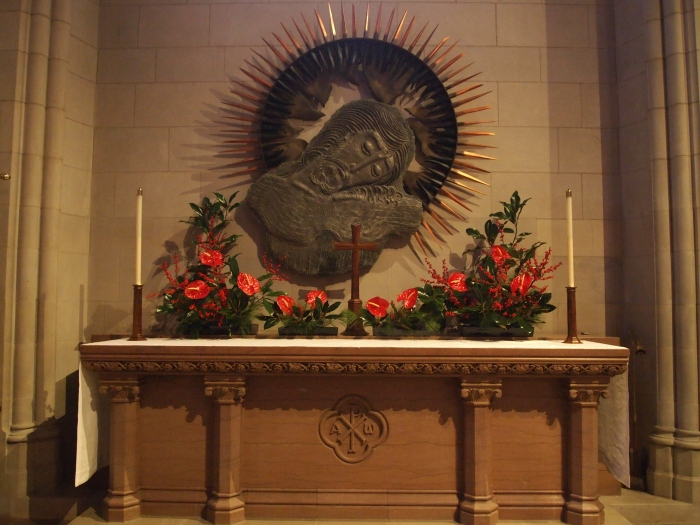 small altar in the main part of the Cathedral