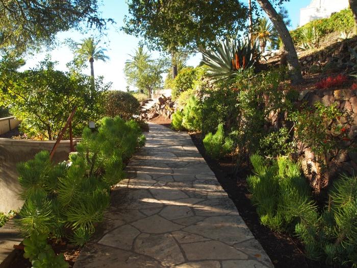 Garden pathway to Casa del Mar