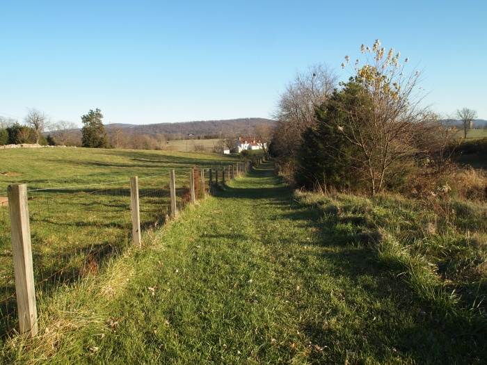 the trail to the Roulette Farm