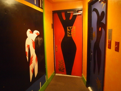 bathroom doors at Mi Degollado
