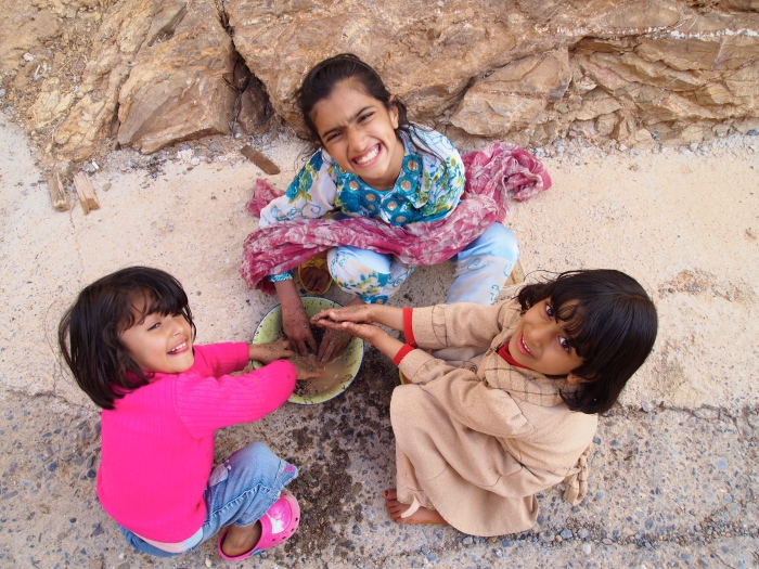 Omani girls on Jebel Akhdar