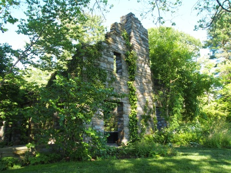 the ruins at Chanticleer