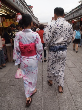 the Yukata stroll of Nakamise-dori