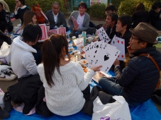 a lively oversized card game at Uneo Park