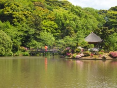 Main pond & Nakano-shimo Island at Sankei-en