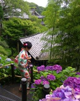 kimono and rooftops at Hasedera