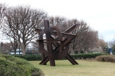 Aurora by di Mark Suvero